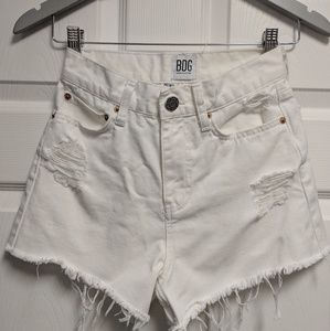 BDG Mom shorts W24 white Urban Outfitters